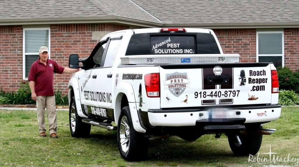 Pest Control Service Northeast Oklahoma & Southeast Kansas truck